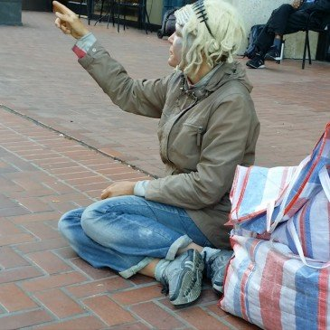 xSchizophrenic-Woman-at-Embarcadero-365x365.jpg.pagespeed.ic.oj-Z6Fx7BI